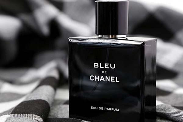 """Chanel Bleu De Chanel khiến người đối diện """"đổ gục"""" ngay tức thì với diện mạo đầy sang trọng"""